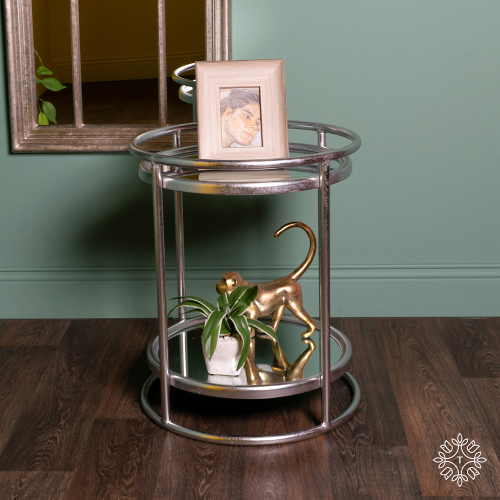 Amelia side table mirrored with shelf silver